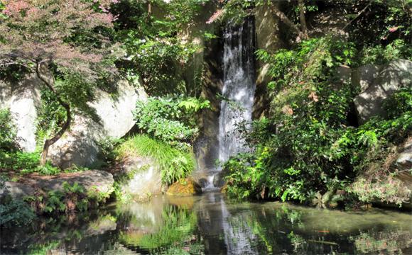 浜松城公園日本庭園・大滝