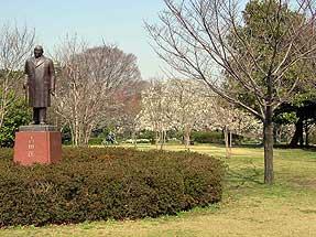 吉田 茂の像