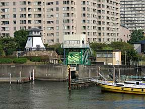 佃公園・石川島灯台