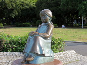 山下公園・「赤い靴の女の子」の像