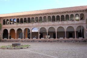 サント ドミンゴ教会