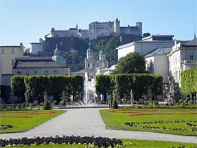 ミラベル宮殿の庭園より