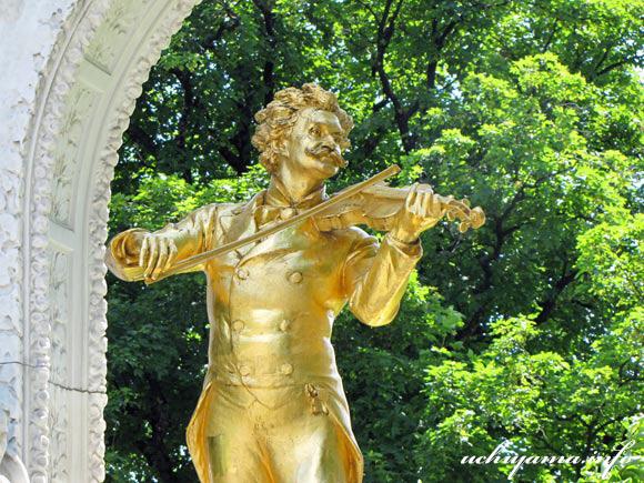 ウィーン市立公園・ヨハン・シュトラウス2世像