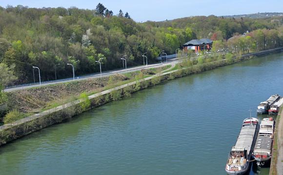 デュルビュイへの道風景