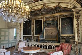モダーヴ城・寝室
