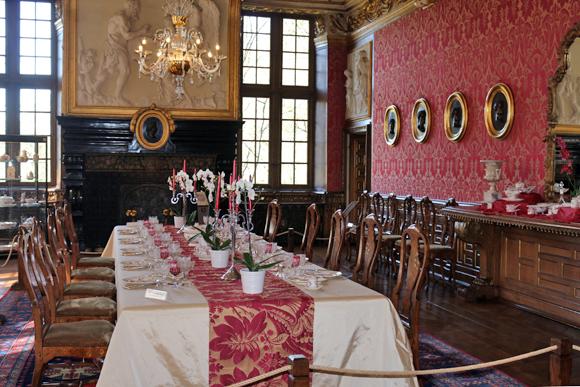 モダーヴ城・食堂