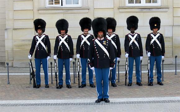 アマリエンボー宮殿の衛兵