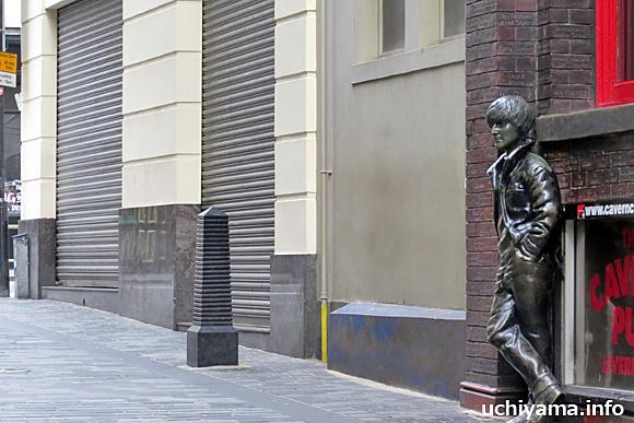 ジョン・レノンの彫像