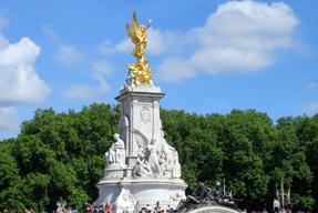 ヴィクトリア女王記念碑