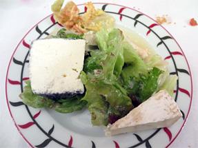 チーズとサラダ