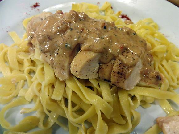 チキン+タリアテッレ