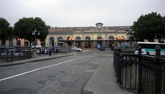 カルカッソンヌ駅前