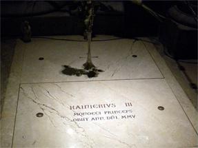 レーニエ3世の墓