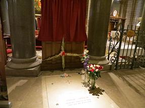 グレース王妃の墓