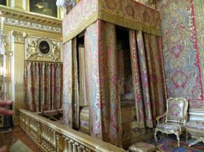 ヴェルサイユ宮殿(王の寝室)
