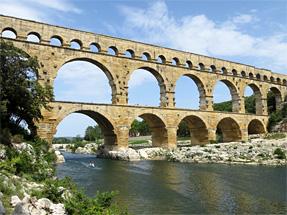 古代ローマの水道橋(ポン・デュ・ガール)