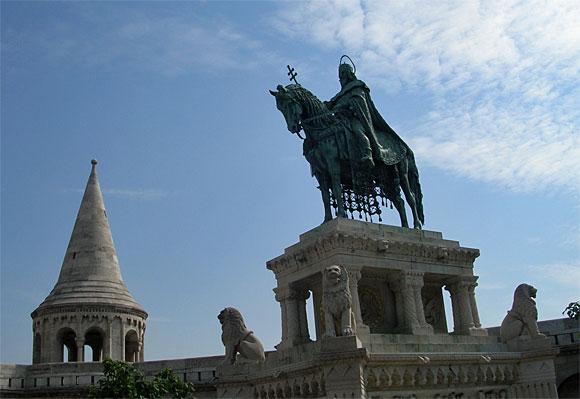 聖イシュトヴァーンの騎馬像