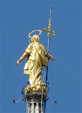 ドゥオーム・中央の尖塔