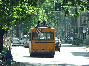 ミラノ市内景観・トロリーバス