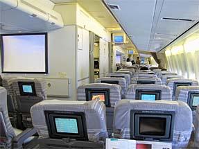 ミラノへの空・JAL機内