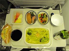 ミラノへの空・JALの機内食
