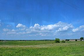 ポーランド国境からの道風景