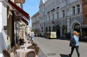 ヴィリニュスのオープンカフェ