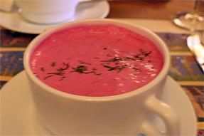 冷ビーツのスープ