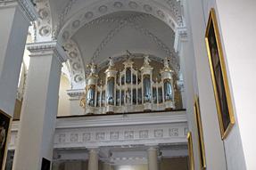 大聖堂の背面