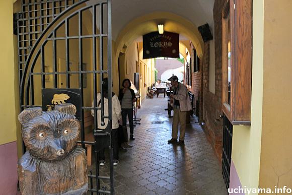 ヴィリニュス旧市街の街角
