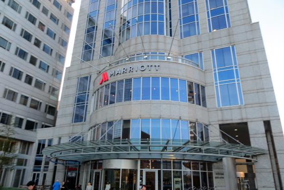 ロッテルダム マリオット ホテルの外観