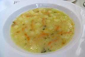 ピクルスと野菜のスープ