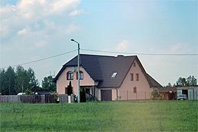 聖ロフ教会近郊の道風景