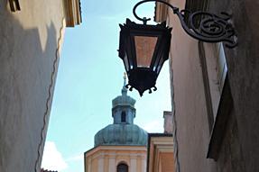 ワルシャワ歴史地区の街角