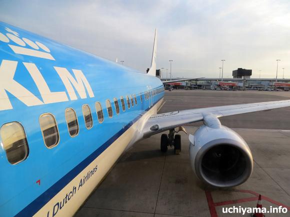 スキポール空港。KLMオランダ航空機・リスボン行き