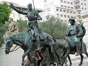 スペイン広場・「ドン・キホーテ」と「サンチョ・パンサ」の像