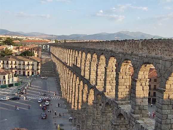 セゴビア・ローマ水道橋