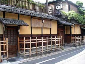 麸屋町通・柊家旅館