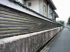 上立売通・本隆寺の壁