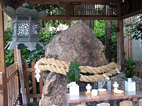 上立売通・岩上神社