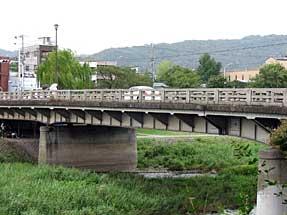 二条通・二条大橋