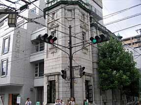 柳馬場通・日本生命京都三条ビル外観