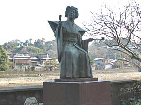 瀧の白糸像