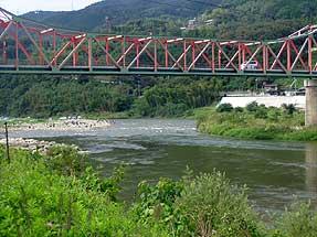 木津川に架かる笠置橋