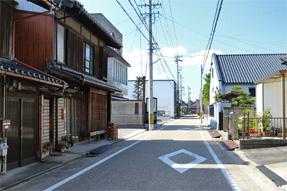 岡崎の街角