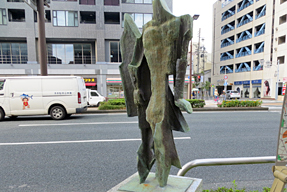 街角の彫刻