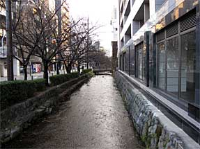 御池通・高瀬川