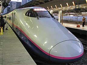 東京駅・東北新幹線「はやて」