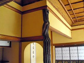 旧神谷伝兵衛稲毛別荘・葡萄の床柱