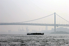 東京タワ−から見えるレインボーブリッジ